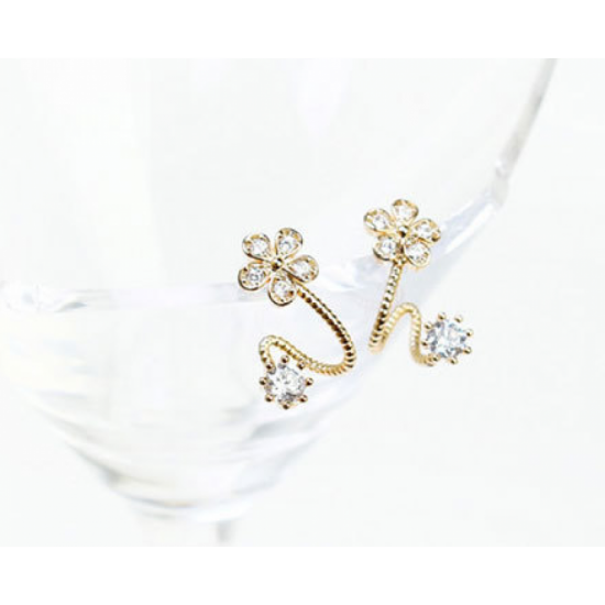 Woman Sweet Diamond Flowers Earrings-Gold image