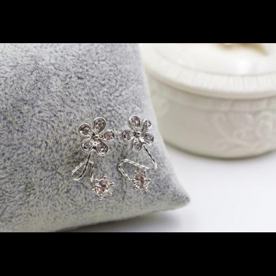 Woman Silver Sweet Diamond Flowers Earrings image