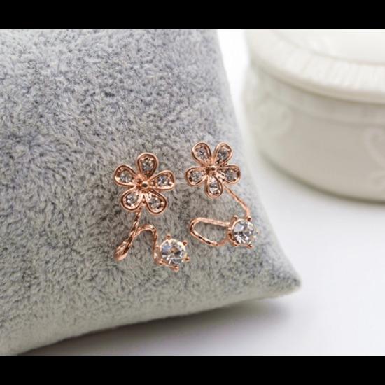 Woman Sweet Diamond Flowers Earrings-Rose gold image