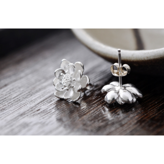Woman Fashion Original Design Wind Flower Silver Pin Earrings-White image