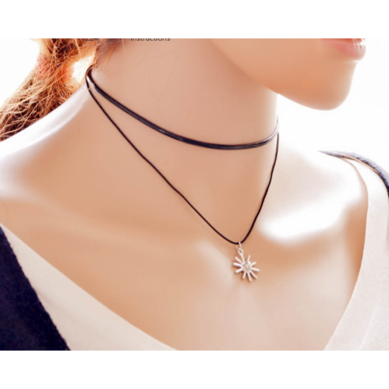 Simple Snowflake Pendant Retro Necklace-Black image