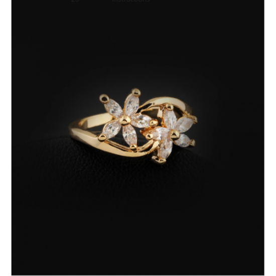 Flower Designed Crystal Zirconian Fashion Ring-Gold image