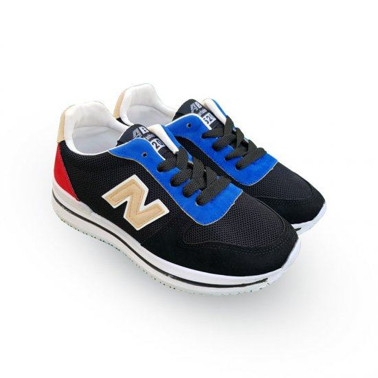 Soft And Low Weight Casual Sports Shoes For Women-Black image
