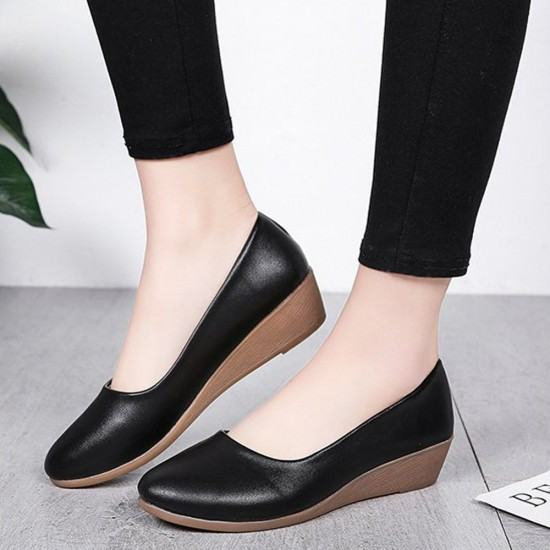 Professional Ladies Soft Leather Shallow Mouth Flat Shoes-Black image