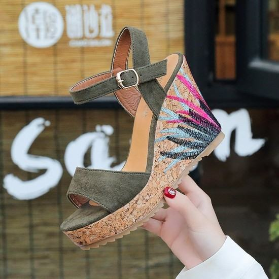 Flower Decorated Wedge Sandals For Women-Green image