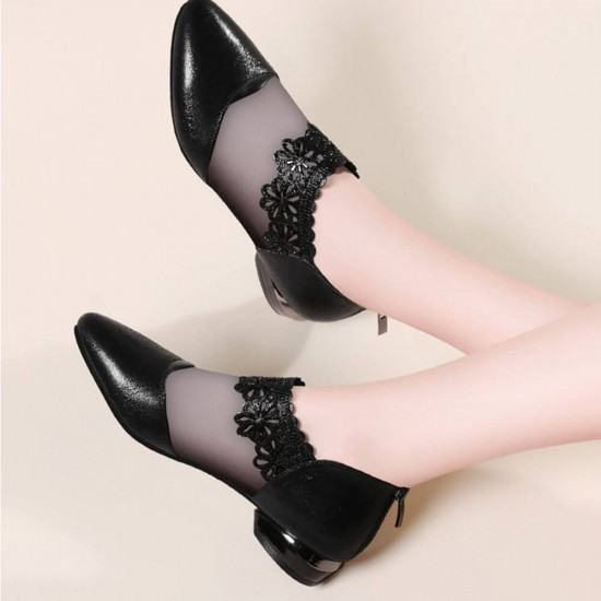 Hollow Bottom Lace with Net Breathable Flat Shoes-Black image