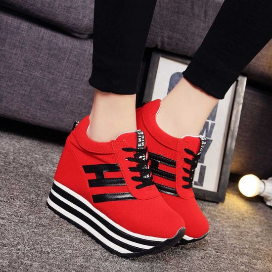 Thick Bottom Muffin Platform Laces Up Sneakers - Red image