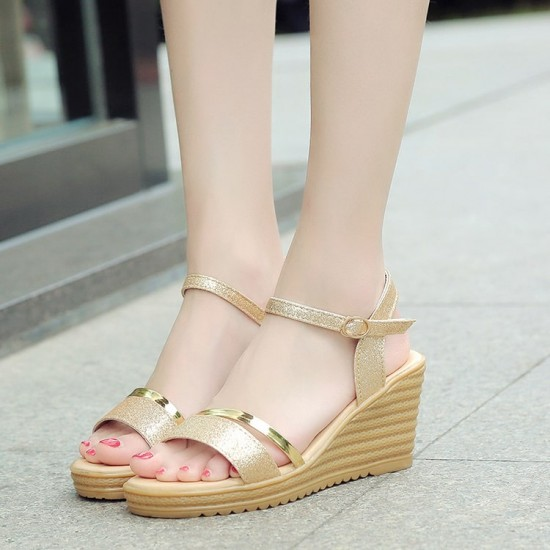 Peep Toe Buckle Design High Wedge Sandals - Gold image