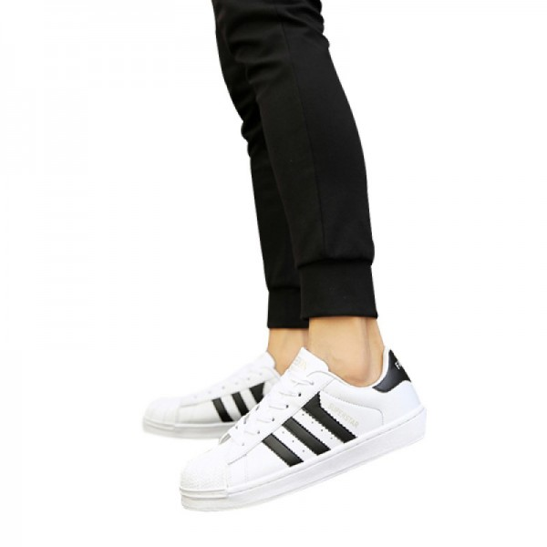 Black Color Classic Three Bars Shell Head Board Shoes For Women image