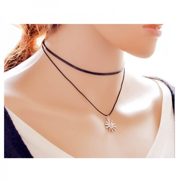 Black Color Korean Creative Snowflake Alloy Necklace For Women image